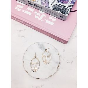 Evelyn   Gold Minimalist Picasso Face Earrings